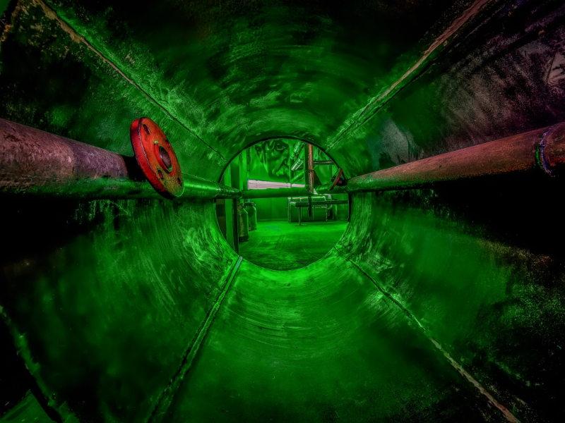 218 метров стальных труб